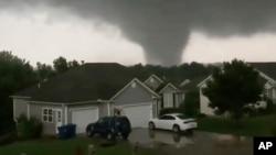 2019年5月22日星期三密蘇里州龍捲風。