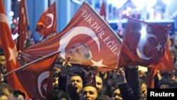 Rotterdam'da polis Türk Konsolosluğu önündeki gösteriyi dağıttı