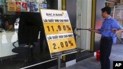 Kinh tế Việt Nam đang sa lầy trong tình trạng bất ổn.
