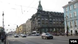 聖彼得堡市中心 (美國之音白樺)