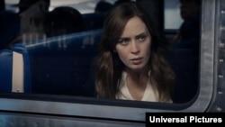 «امیلی بلانت» در فیلم «دختر قطارسوار»