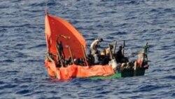 به گل نشستن یک قایق پناهجوبان لیبیایی در سواحل ایتالیا