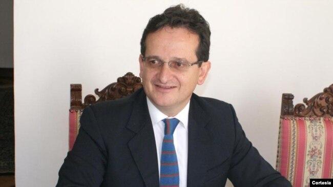La llamada a consultas, en que terminó la venida del embajador Lozano, significa en el argot diplomático una especie de protesta al país vecino.