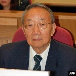 香港珠海学院文学院院长兼亚洲研究中心主任胡春惠