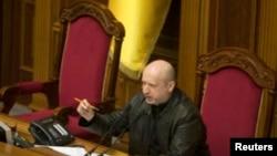 Tổng Thống lâm thời Ukraina Oleksandr Turchynov đã ký sắc lệnh để hủy bỏ quyết định tổ chức trưng cầu dân ý của nghị viện Crimea.