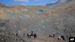 Farqin, periodista de la VOA, fue arrestada en un punto de control cuando se dirigía a una mina de cobre que se derrumbó el pasado día 17 de noviembre en la región de Siirt, sepultando a 16 mineros.