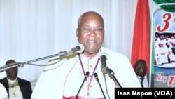 Mgr Paul Ouedraogo President de la conference episcopale BF Niger, à Ouagadougou, le 15 mai 2019. (VOA/Issa Napon)