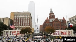 "Dealey Plaza is pictured during ""The 50th: Honoring the Memory of President John F. Kennedy"", a ceremony marking the assassination of President Kennedy in Dallas, Texas November 22, 2013. REUTERS/Mike Stone (UNITED STATES - Tags: POLITICS ANNIVERSARY)"