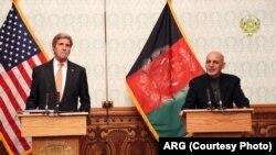 وزیرخارجۀ ایالات متحده برای نخستین بار پس از تشکیل حکومت وحدت ملی به کابل رفت.