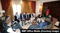 در این دیدار لیزا کرتز، معاون شورای امنیت ملی ایالات متحده و خانم مالیفی، سفیر این کشور در قطر نیز حضور داشته اند.