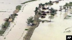 cyclone-burma-village