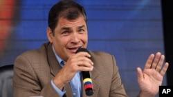 """Correa dijo que la revista Vanguardia """"no paga a sus trabajadores"""" y que """"incumple las leyes laborales"""", entre otras acusaciones."""