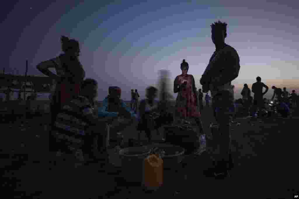Tigroota Sudanitti baqatanii buufata yeroo hamdayaat keessa jiran, Sudaan, Bitootessa 14, 2021