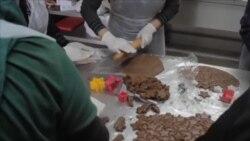 黎巴嫩妇女办厨房 让炊烟驱散硝烟