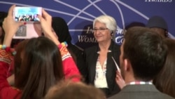 Boliviana recibe galardón del Departamento de Estado