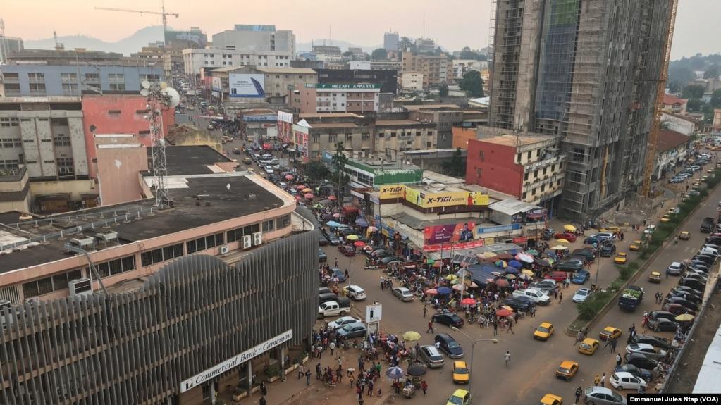 Vue sur Yaoundé, au Cameroun, le 21 juin 2018. (VOA/Emmanuel Jules Ntap)