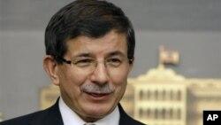 တူရကီႏိုင္ငံျခားေရးဝန္ႀကီး Ahmet Davutoglu