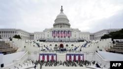Les préparatifs vont bon train avant la prestation de serment de Joe Biden et Kamala Harris au Capitole, le 18 janvier 2021 à Washington, DC.