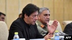 وزیراعظم عمران خان او د پوځ مشر جنرل قمرجاوېد باجوه