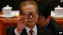 Pengadilan Spanyol hari Senin (18/11) mengeluarkan surat penangkapan terhadap mantan Presiden China Jiang Zemin (foto: dok).