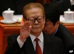 江泽民在中共十八大开幕式上,江泽民的老部下一个接一个出事或者被传言出事