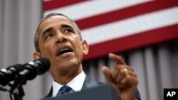 Presiden Amerika Serikat Barack Obama berbicara di American University, Washington (5/8). (AP/Susan Walsh)