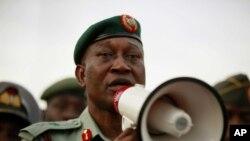 Chris Olukolade a Abuja, Mayu 6, 2014.