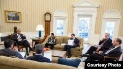 美国总统奥巴马与核心幕僚见面讨论对俄罗斯制裁(白宫照片)