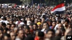 開羅和埃及其它城市遍佈着數以十萬計的反政府示威者。