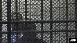 Bivši unutrašnjih poslova Egipta Habib el-Adli u pritvoru, 25. juli, 2011.