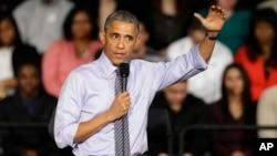 """El presidente Barack Obama se dirigió a estudiantes en Indianapolis y dijo que en 2014 la economía agregó más de 3,1 millones de empleos, y que """"EE.UU. está listo para otro buen año""""."""