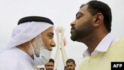 Tổng cộng có 21 người bị đưa ra xét xử và trong số các bản án được tuyên hôm nay có án tù chung thân đối với lãnh đạo chính trị người Shia Hassan Mushaima (trái)