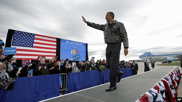 President Barack Obama at a campaign event at Austin Straubel International Airport in Green Bay, Wisconsin, Nov. 1, 2012.