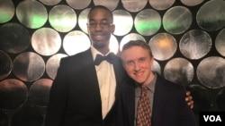 Christian McGhee (kiri) dan Geoff Galante (kanan) terpilih mengikuti Grammy Camp - Jazz Session setelah mengikuti proses seleksi ketat. (foto: Vina/VOA).