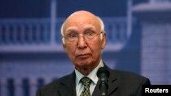 Sartaj Aziz, Pakistani Prime Minister Nawaz Sharif's adviser on foreign affairs, speaks during a news conference in Kabul Jul. 21, 2013.