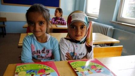 Syrian refugee children in their classroom at Fatih Sultan Mehmet School in the Karapurcek district of Ankara, Turkey, Sept. 28, 2015.