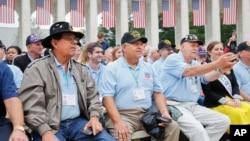 Một buổi tưởng niệm nhân Ngày chiến sĩ trận vong ở Nghĩa trang Quốc gia Arlington, Virginia, 29/5/2017