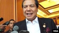Menko Perekonomian Chairul Tanjung (Foto: VOA/Budi Nahaba)