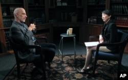 VOA와 인터뷰하는 아트 브라운 전 미 중앙정보국 CIA 동아시아 담당 국장(좌)