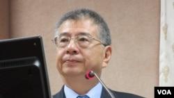台灣國防部副部長楊念祖在立法院接受質詢(美國之音張永泰拍攝)