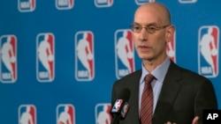 Adam Silver , patron de la NBA, New York, le 21 octobre 2016. (AP Photo/Mary Altaffer)