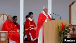 프란치스코 교황이 16일 광화문에서 열린 시복식에서 강론하고 있다.