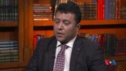 رئیس دفتر معاونیت اول ریاست جمهوری افغانستان، حلقات درون ارگ را به ممانعت از برگشت دوستم متهم میکند