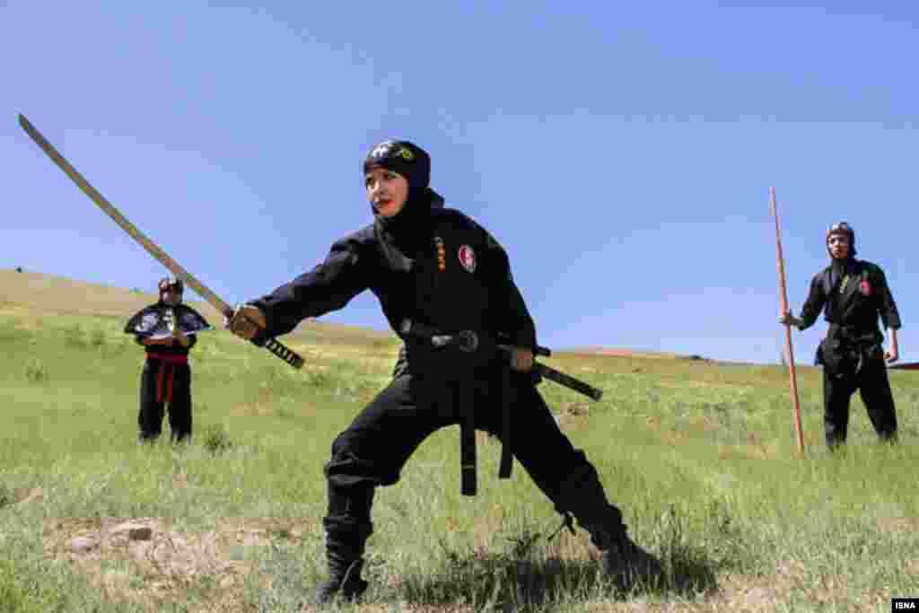 تمرینات تیم بانوان نینجوتسوکار - بروجرد عکس: بیات آزادبخت