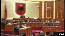 Qeveria Rama ne parlament