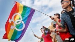 گروهی از اعضای جامعه دگرباشان جنسی در یکی از تجمعات شان