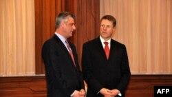 Kosovski premijer Hašim Tači i novi specijalni predstavnik EU na Kosovu Samjuel Žbogar