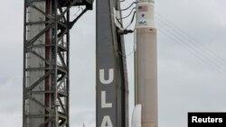 El cohete Atlas V que lleva la cápsula CST-100 Starliner de Boeing es visto en Cabo Cañaveral, el 4 de agosto de 2021.