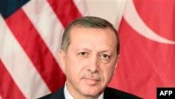 Erdoğan: 'PKK'ya Karşı Sınırötesi Operasyonlara Devam'