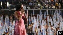 Ibu negara Michelle Obama usai memberikan pidato di hadapan para peserta konvensi nasional Partai Demokrat di Charlotte, North Carolina (4/9).
